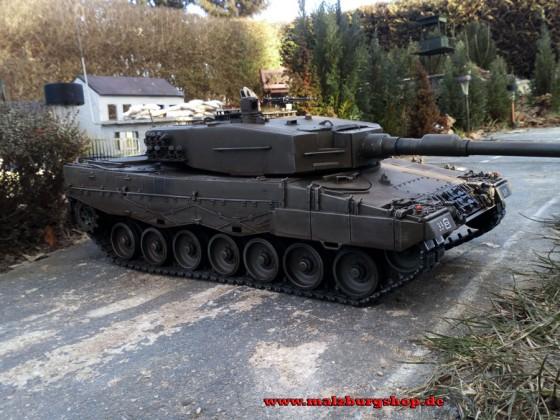 """RC Panzer """"Leopard 2A4 """" mit Metallunterwanne"""