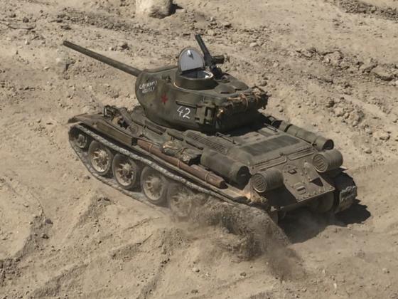 T-34/85 Kavalliersstart