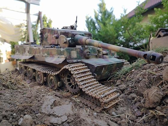 Tiger 214 bleibt mit zerstörter Kette liegen #1