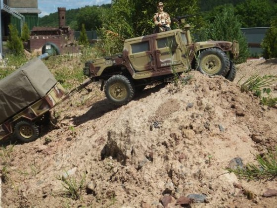 Humvee im Gelände