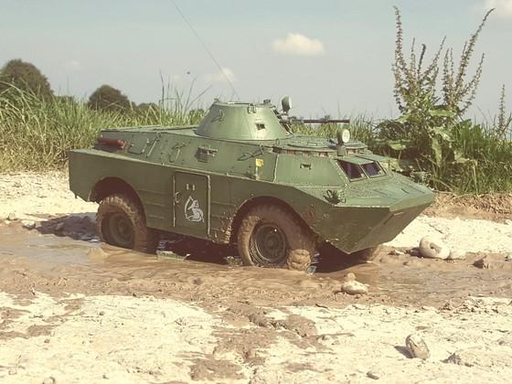 BRDM-2 auf Axial SCX10 Basis
