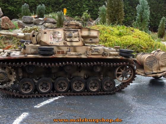 Tauchpanzer mit Tankanhänger - erster seiner Art