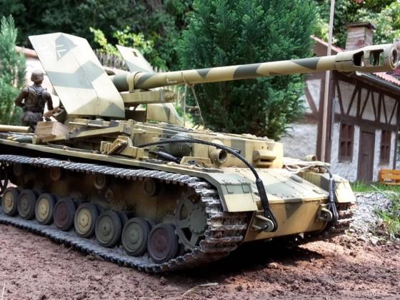 Waffenträger auf Panzer IV