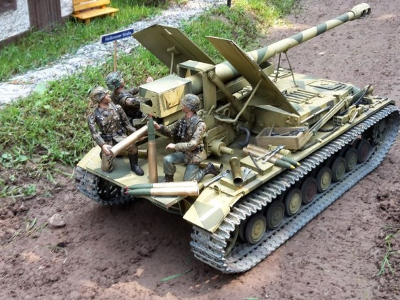 Waffenträger auf Panzer IV ..