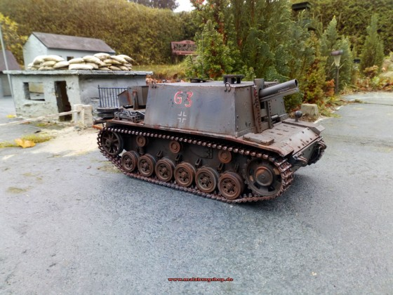 Infanteriegeschütz 33B by malzburg modellbau