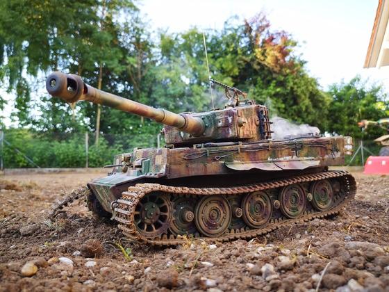 Tiger 214 bleibt mit zerstörter Kette liegen #3