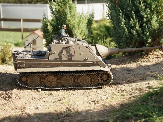 Sturm-Jagd-Tiger auf der Pirsch