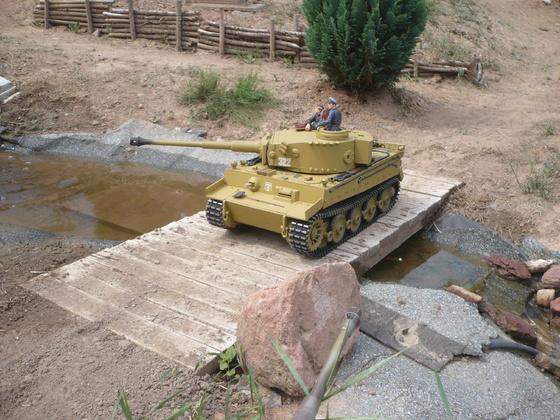 Fabrikneuer Tiger 1 mit Verladeketten