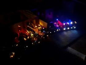 Fahrzeuge bei Nacht