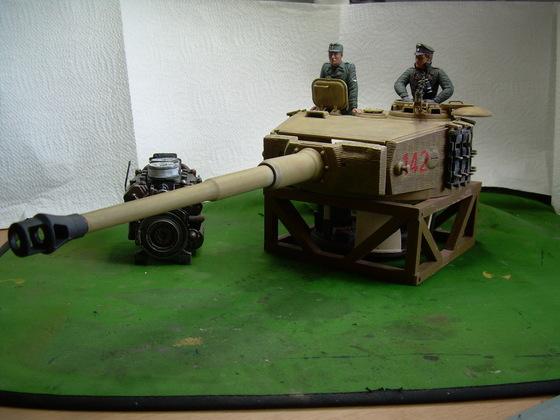Panzerturm Tiger I spät bei der Feldinst.