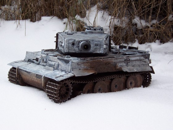 Tiger I, mittlere Version in Wintertarnung